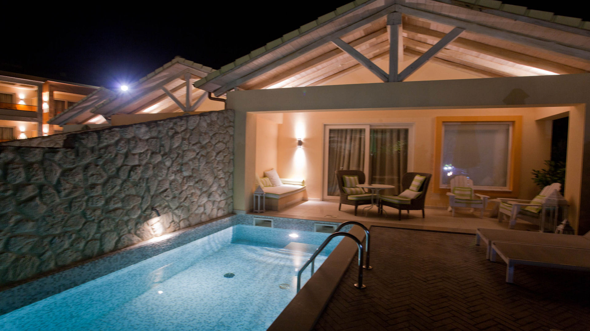 VIP Villa with Jacuzzi/Hot Tub and Private Pool