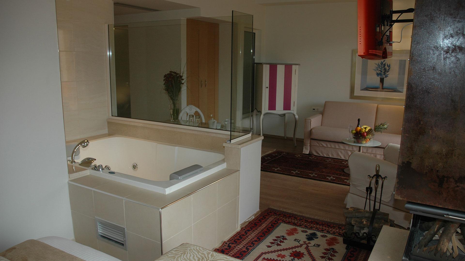 Superior Suite with Jacuzzi/Hot Tub