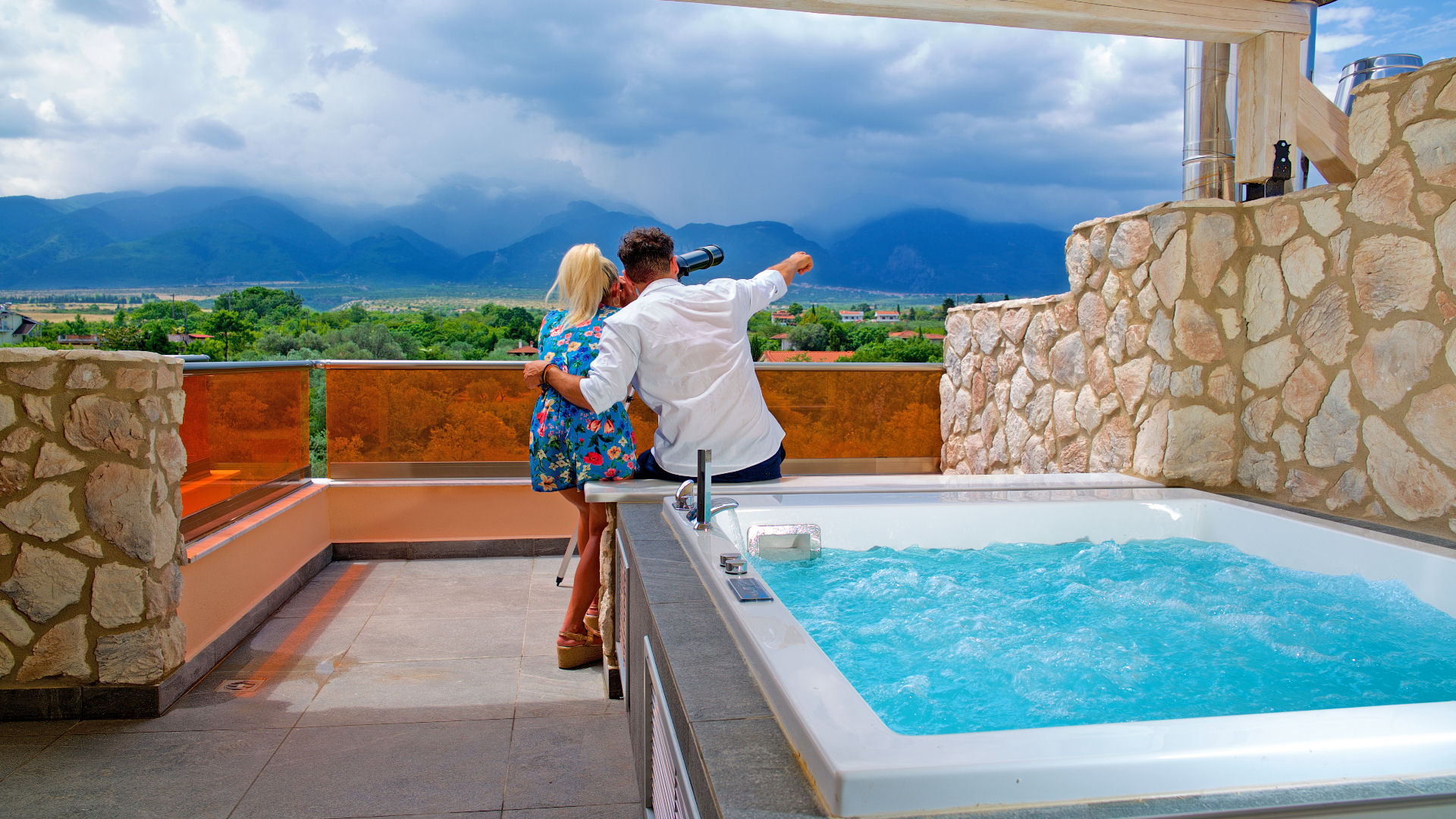 Executive Olympus Suite with 2 Jacuzzi/Hot Tub