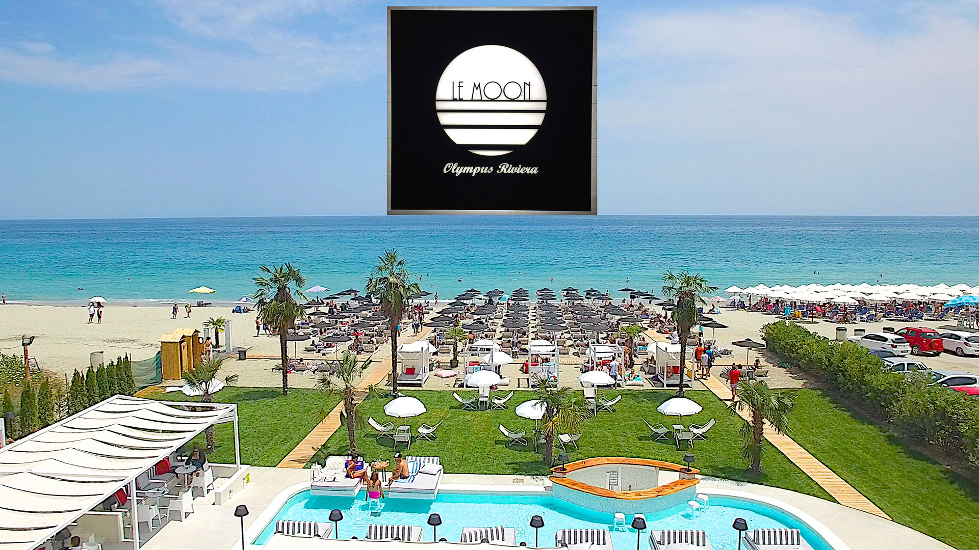 Le Moon Luxury Seaside Bar & Restaurant
