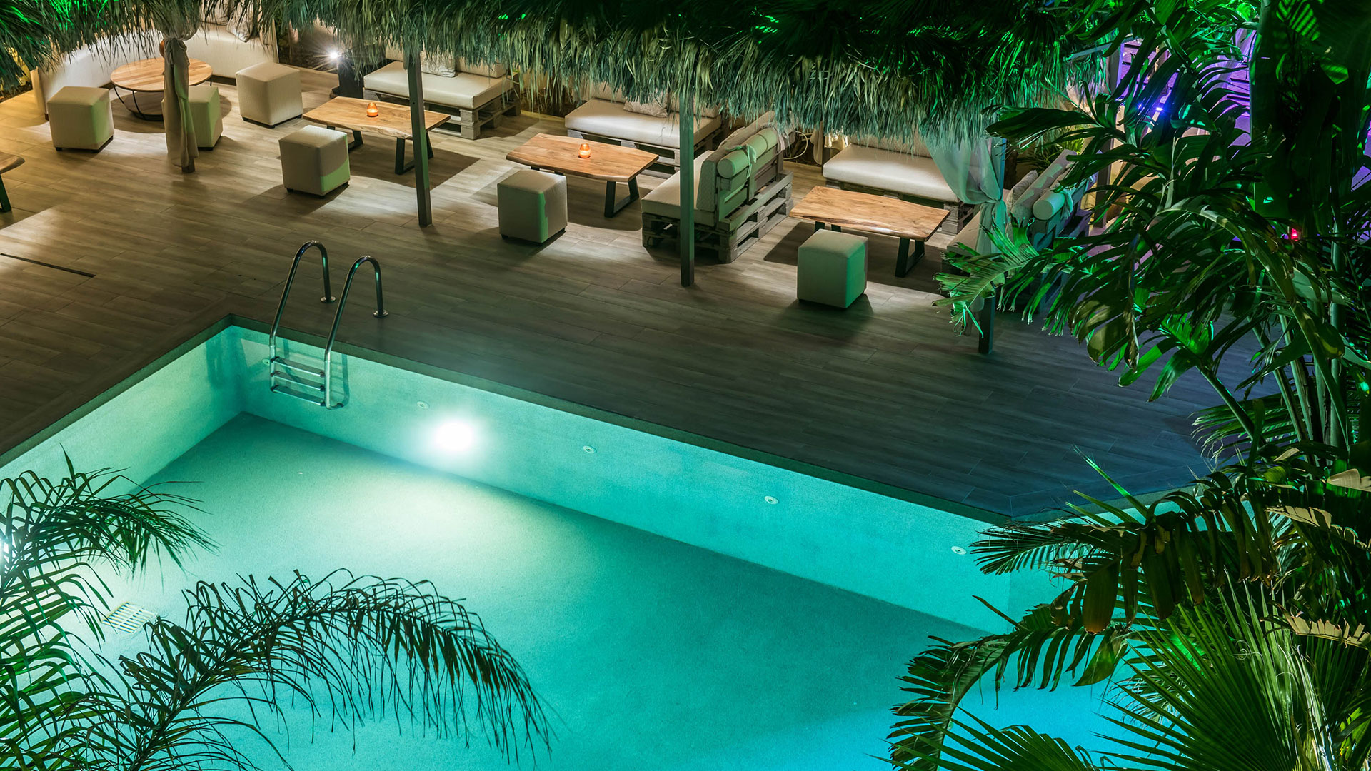 Double sea pool garden view