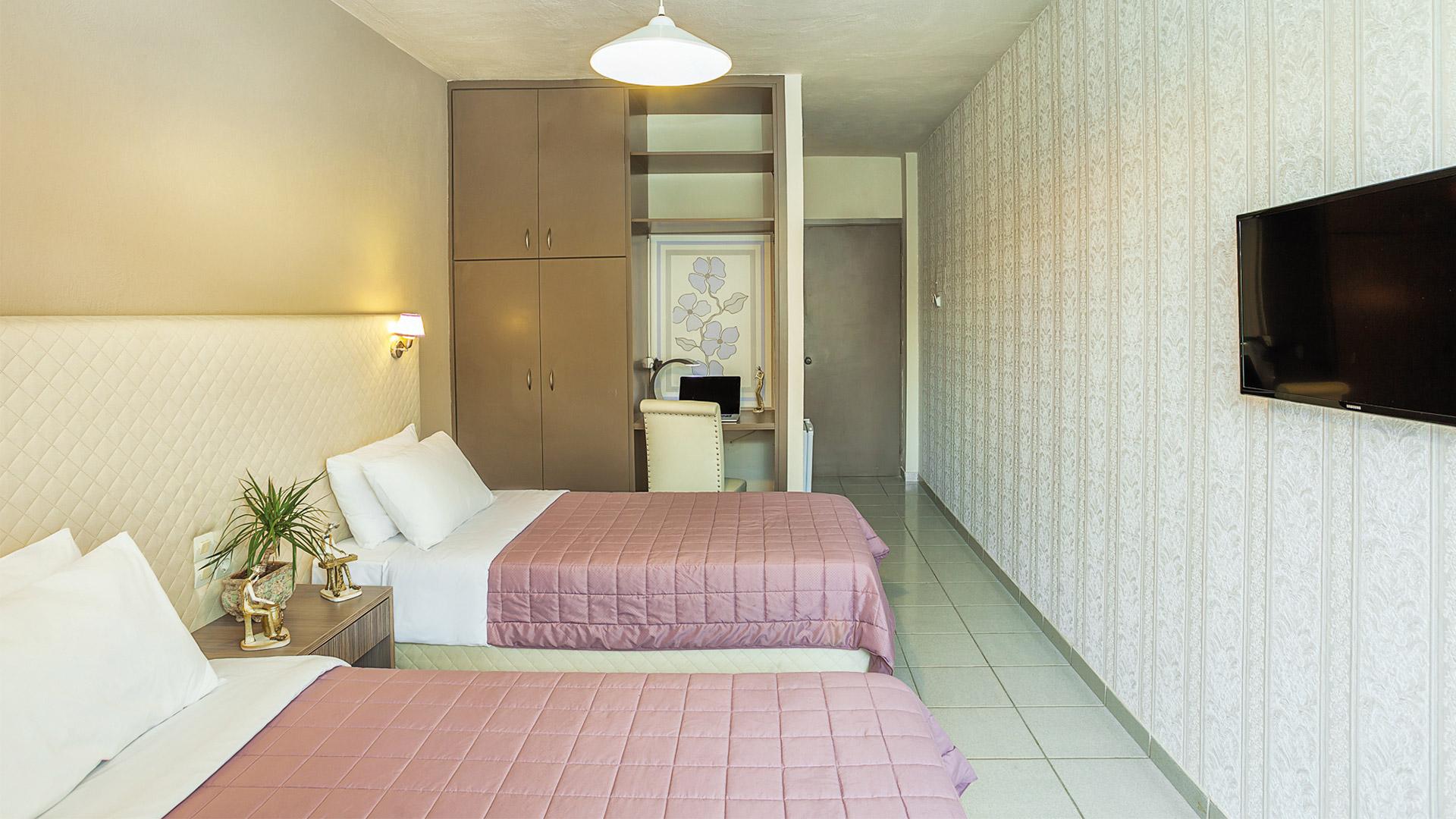 Δίκλινο - 2 μονά κρεβάτια με θέα θάλασσα πισίνα κήπο