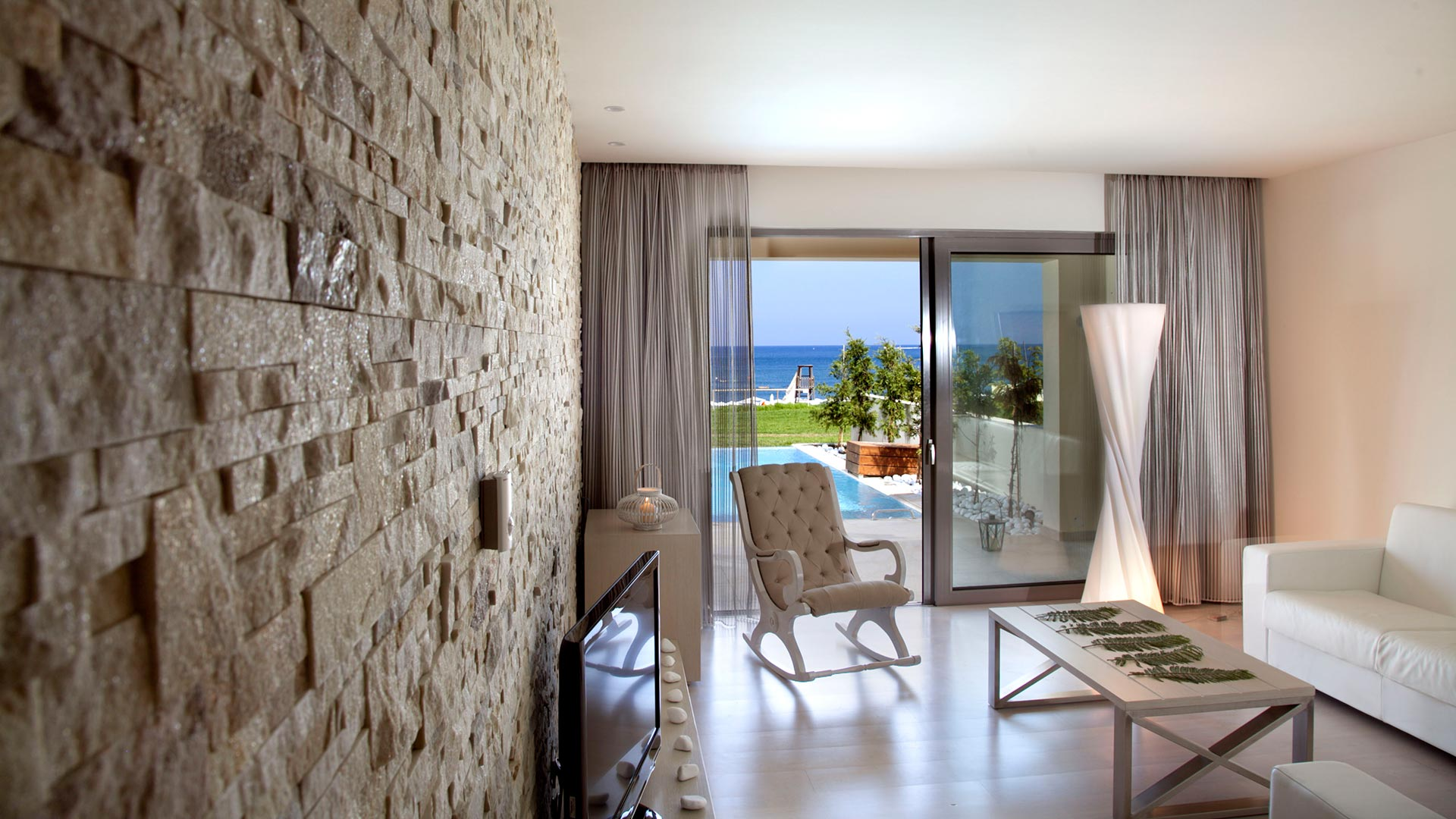 Junior Suite-beach front | private pool